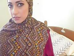 Arab woman seduced in having hard sex on cam
