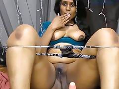 Curvy Indian lady shows her stuff and toys her cunt